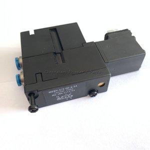 Image 3 - M2.184.1111/05 MEBH 4/2 QS 4 SA 4 2 Weg Magneetventiel Voor Heidelberg CD102 XL105 Pm52 XL75 Sm74 Machine onderdelen