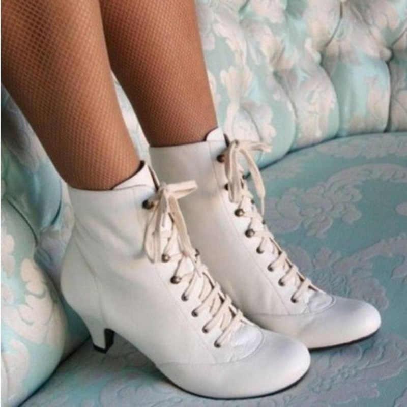 ผู้หญิง Kitten Heel ข้อเท้าบู๊ทส์ VINTAGE Lace Up รองเท้าส้นสูงรองเท้าแฟชั่นเลดี้ Victorian Retro รองเท้าชี้ TOE หนัง Booties d40