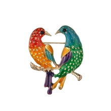 Gariton Vintage 2 Dual Birds Kiss Love Parrot Brooches Cute Animal Epoxy & Pins For Women Gifts
