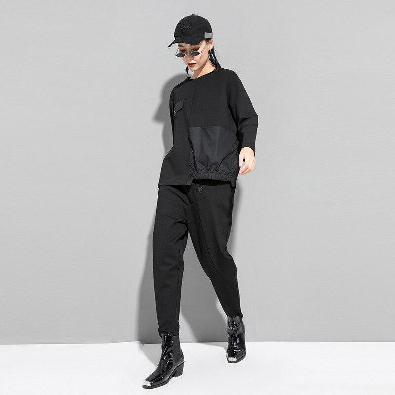 [EAM] Women Black Asymmetrical Button Split Big Size T-shirt New Round Neck Long Sleeve  Fashion Tide Spring Autumn 2020 1T542 2