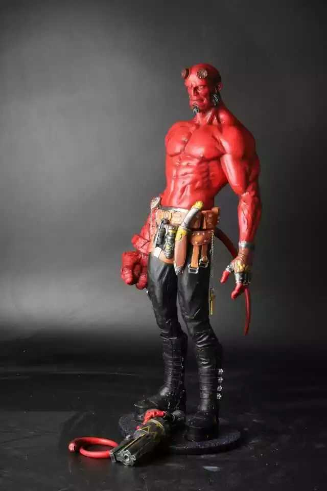 1/4 Hellboy Action Figure Smoke Hellboy Wouded Horn Cool Collectible Model Toy