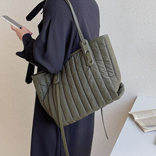 Casual Stepp Raum Padded Frauen Schulter Taschen Unten Baumwolle Handtaschen Nylon Große Kapazität Tote Weibliche Große Geldbörsen 2021 Winter