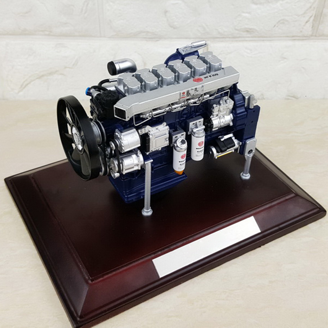 1/12 WP13 13L Diesel Engine Model - Collector Edition
