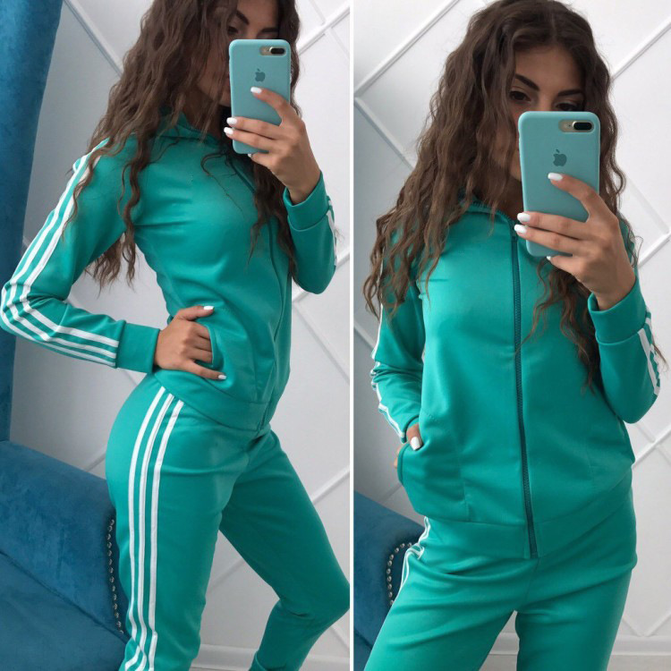 The New Slim Lady Sports Leisure Zipper Popular In Europe And The United States Best-selling Two Pieces Of Solid Color Stripe