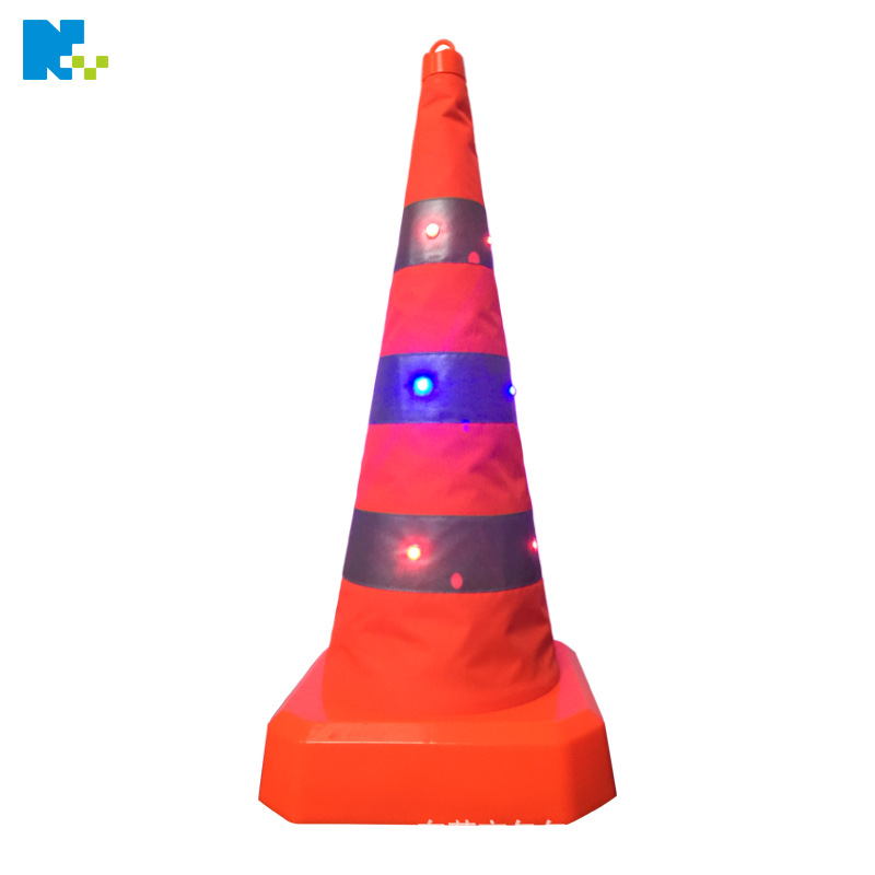 Dongguan Manufacturers Direct Selling 70 Cm Telescopic Road Cone Parking Roadblock Traffic Cone LED Shining Traffic Cone Ice Cre