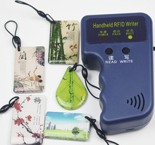 125 كيلو هرتز قارئ محمول لبطاقة تحديد الهوية بموجات الراديو قارئ الكاتب ID Keyfob بطاقة الناسخ ناسخة + 5 قطعة للكتابة T5577 الايبوكسي مفاتيح