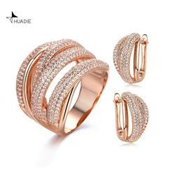 Huadie Vrouwen Sieraden Set Met Zirkoon. Ongebruikelijke Oorbellen En Een Ring Met Pave. Modieuze Sieraden 2020