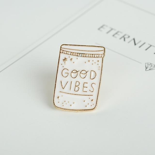 Wit Zwart Emaille Pins Constellation Maan Goede Vibes Fles Walvis Vis Cartoon Broche Jas Jassen Revers Pin Badge Sieraden Gift