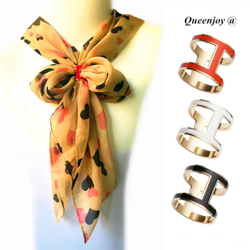 แฟชั่นผู้หญิงคุณภาพยอดนิยมทองเหลืองตัวอักษร H เคลือบสีเข็มกลัด/ผ้าคลุมไหล่ผ้าพันคอ/ผ้าพันคอหัวเข็มขัดคลิปคลิปขายส่ง