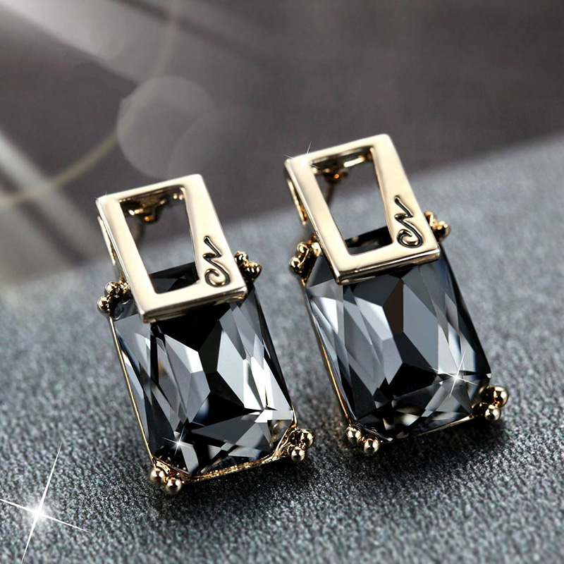 XIYANIKE-New-Geometric-Square-Crystal-Stud-Earrings-For-Women-Fashion-Gold-Color-Earring-Party-Jewelry-Accessories (1)