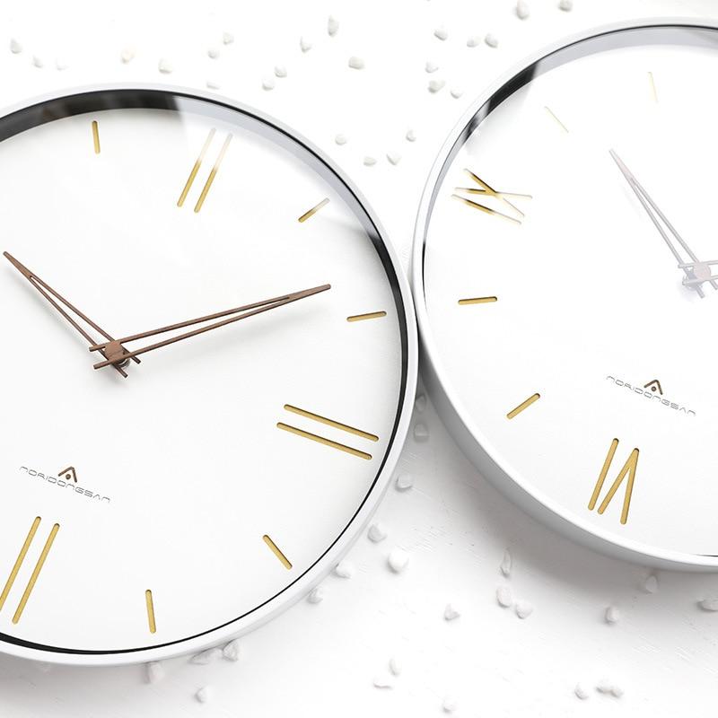 Horloge murale de luxe européenne muet mode américaine rétro horloge murale ronde romaine numérique chambre montres murales décor à la maison 6W905