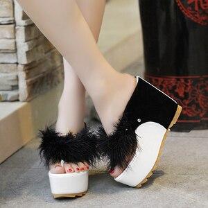 Image 5 - Lucyever/женская летняя обувь; Женские Вьетнамки со стразами; Модные пляжные сандалии на танкетке и высоком каблуке; Zapatos Mujer