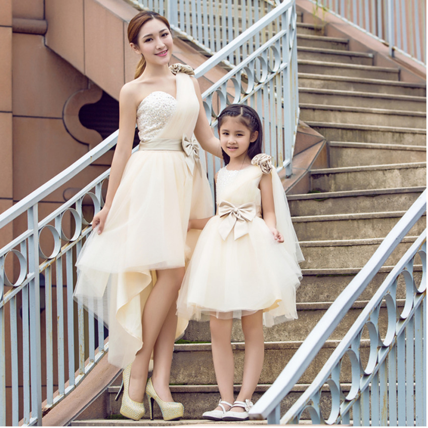 Family Matching Outfits Girls Lace Flower Princess Dress Mama And Baby Mother Daughter Wedding Dress Birthday Princess Costumes