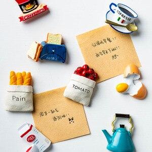 Image 2 - Ímãs de geladeira de resina 3d fofos, ímãs de desenho animado em resina para geladeira, refrigerador com mensagem, adesivo para crianças, brinquedo de decoração de natal em casa, 1 peça