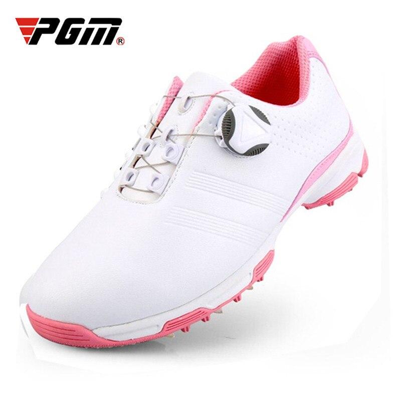Spor ve Eğlence'ten Golf Ayakkabısı'de PGM 2019 Yeni Bayanlar golf ayakkabıları Nefes Dönen Toka Sneakers Bayan Otomatik Bağlama Su Geçirmez Mikrofiber kaymaz golf ayakkabıları title=
