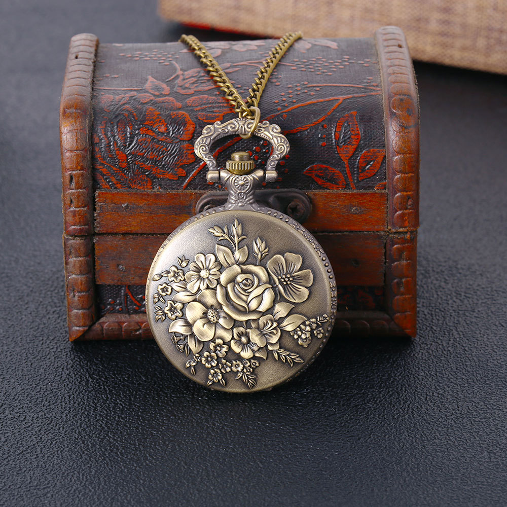 Fashion Large Rose Pocket Watch Creative Palace Style Retro Fine Copper Flowers Bloom Size Necklace Quartz Pocket Watch  HB007