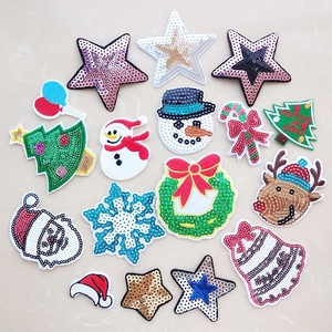 Hot Christmas Patches Sequined reindeer Embroidery Patches for T-shirt Iron on Appliques Clothes Stickers Clothing Badges patch