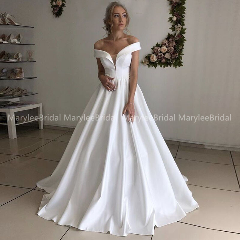 Custom Simple Vintage Wedding Dress Off The Shoulder A-line White Ivory Bridal Dress Lace Up Back Vestido De Novia Sweep Train