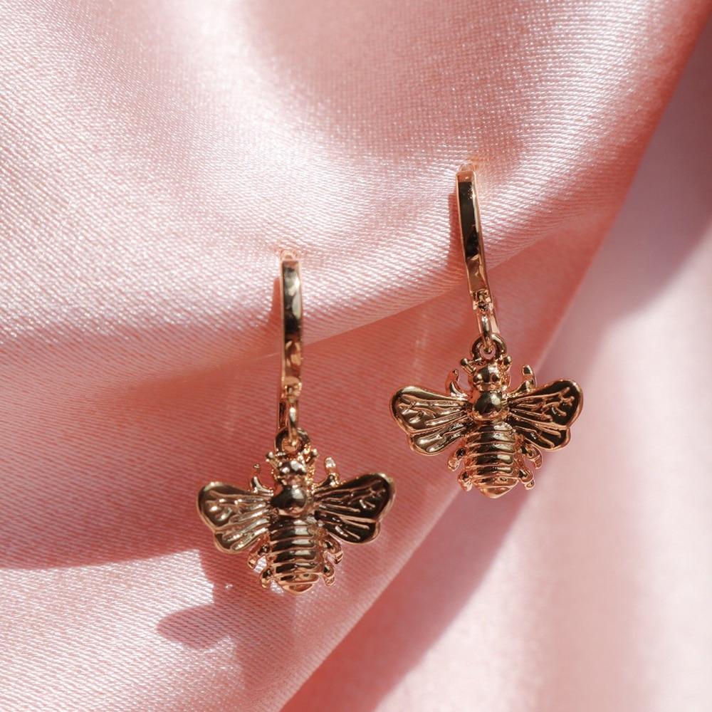 Серьги Huitan женские в форме пчелы, стильные ювелирные украшения под золото и серебро, в наличии, повседневная праздничная одежда, простые кап...