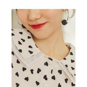 Image 4 - INMAN , осень 2019, Новое поступление, Ретро стиль, для молодых девушек, с милым отложным воротником, с принтом, 100% хлопок , женская блузка