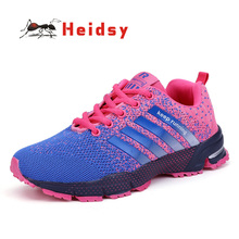 Купить с кэшбэком Flyknit Designer Sneakers Women Zapatos Mujer Men Casual Shoes Women Air Mesh Striped Breathable Spring/Autumn Flat Shoes