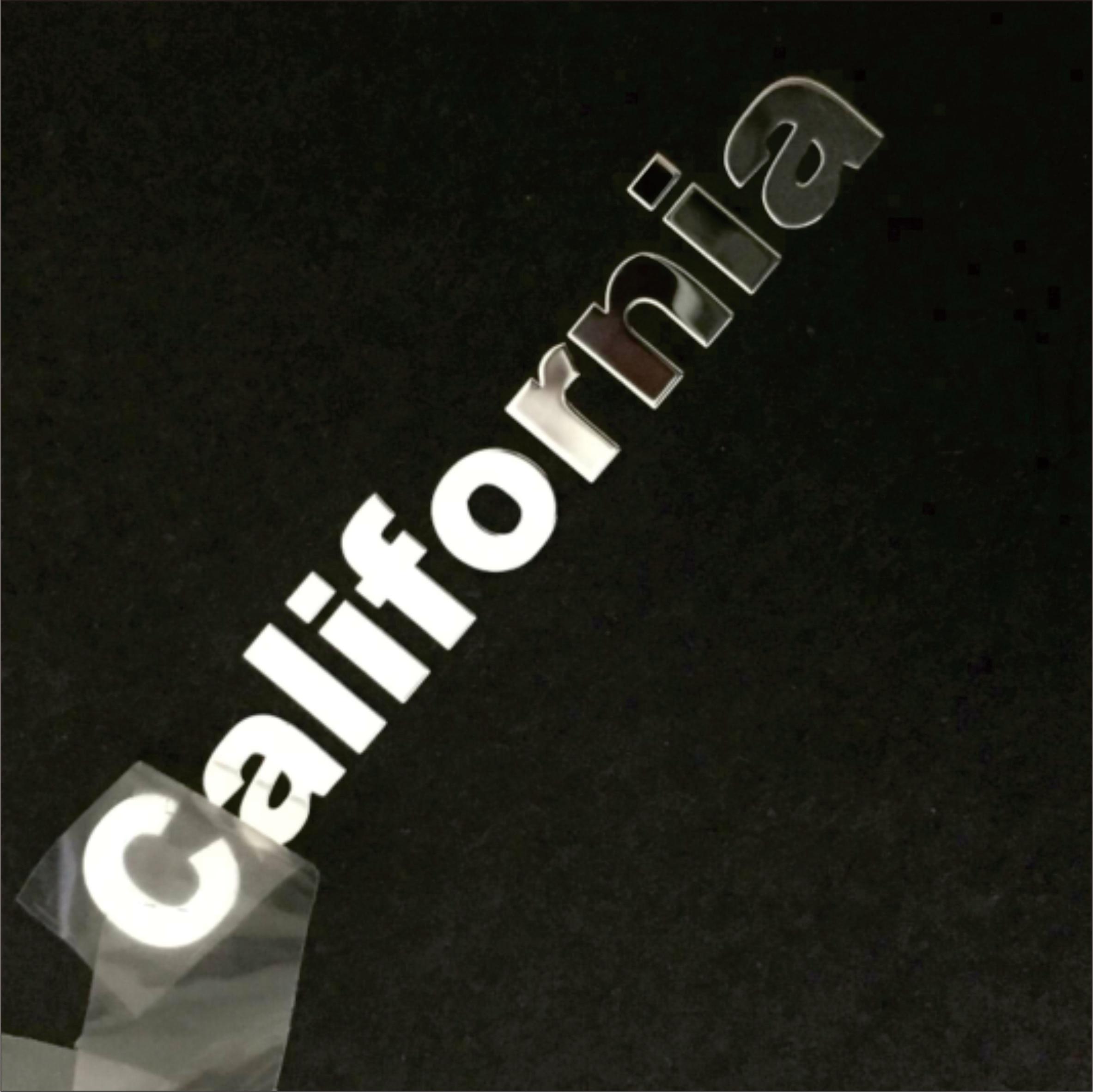 Etiqueta engomada personalizada de metal 3d que imprime el logotipo del Metal letras electroformadas nickle stickerPersonalized stickerDIY calcomanía