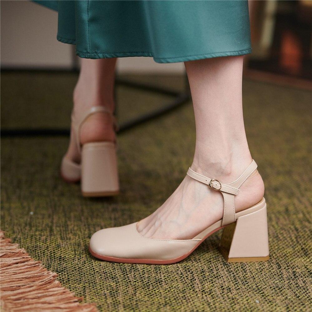 feminina dedo do pé quadrado grosso salto