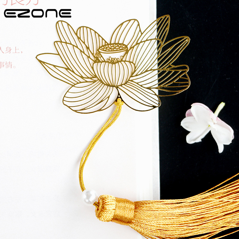 EZONE Metal Golden Bookmark Chinese Style Hollow Out Lotus Bookmark Flower Bookmark With Tassel Gift For Classmate Stationery
