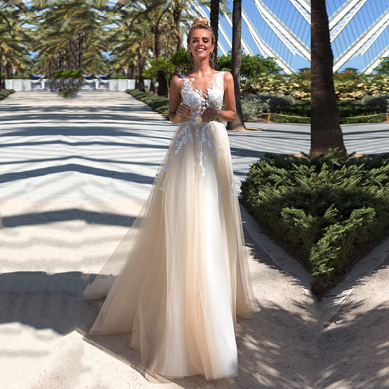 Eightale Boho Wedding Dress Beach V-Neck Appliques Lace Simple Tulle Backless A-Line Wedding Dress Long White Ivory Bridal Dress