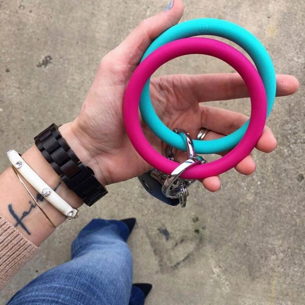 2019 Hot Sale Big O Shaped Silicone Loop Wrist Key Ring Keychain With Gold O Clasp Round Key Wrist Strap Accessories Wholesale