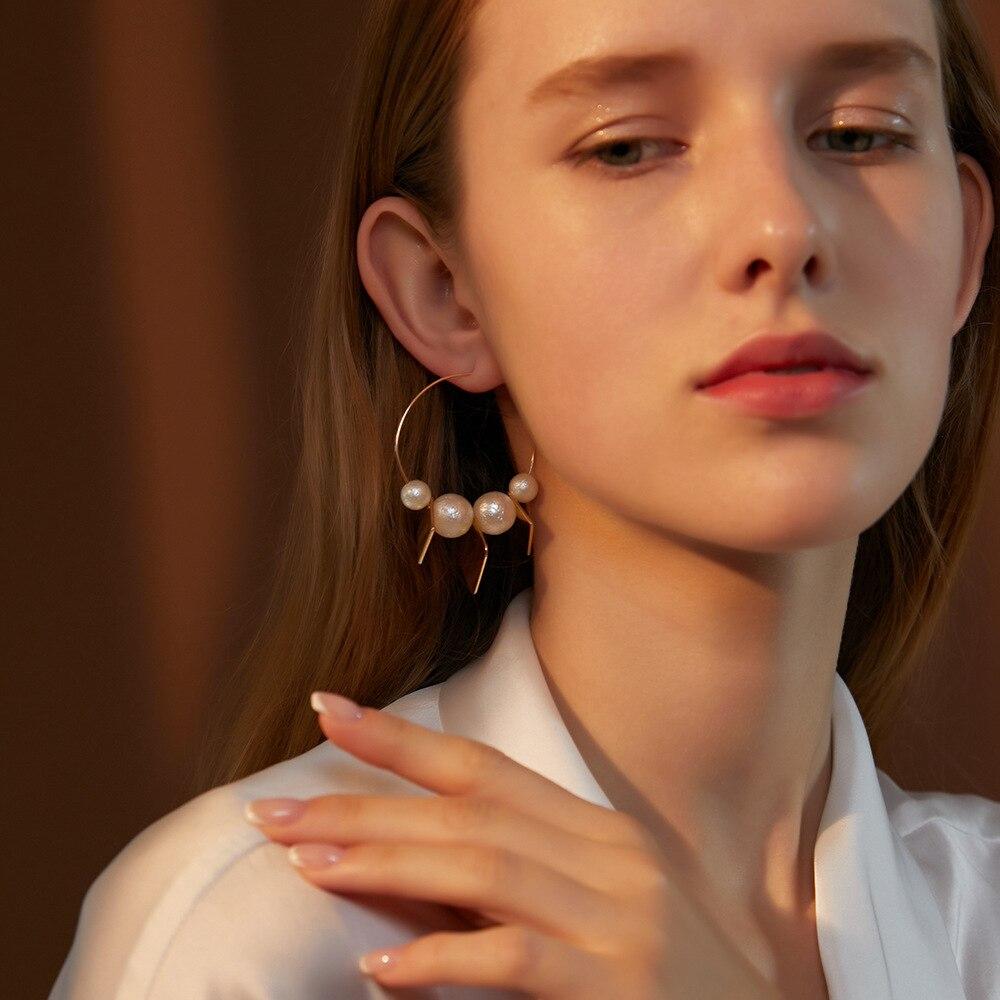 Модные геометрические круглые женские серьги с имитацией жемчуга, глянцевые квадратные металлические серьги-кольца, характерные украшени...