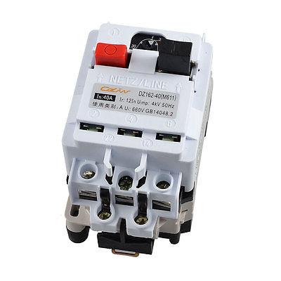DZ162-40 AC 660V 40A 3 Pole Black Backplane Circuit Breaker