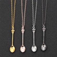 4 cores criativo mini longa ligação jóias colher colar de colar de pingente de forma de colher de chá pequeno charme com coroa para as mulheres