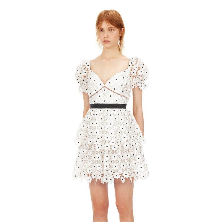 decote em v branco floral laço dot mini vestido