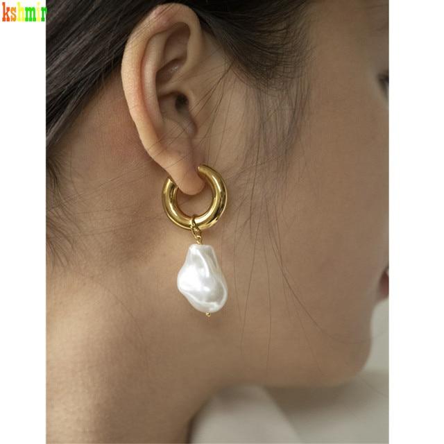 Baroque Pearl Earrings Gold Circle Earclip 4