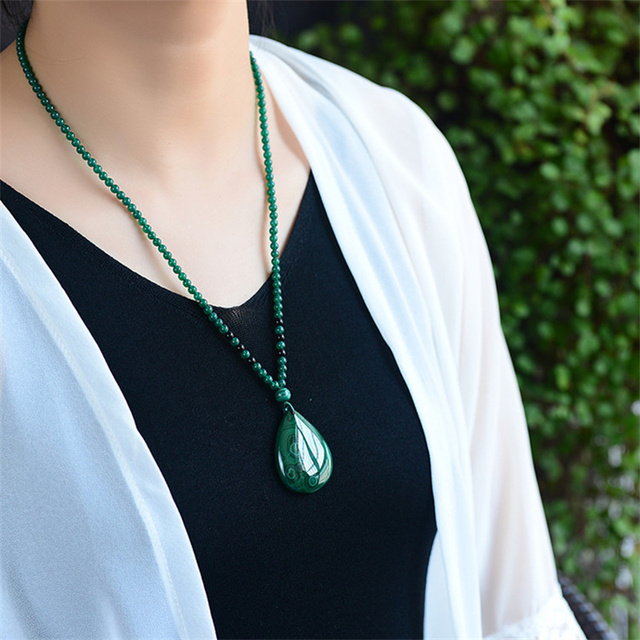 Venta caliente natural de la mano tallar Jade VERDE collar de malaquita colgante de joyer a