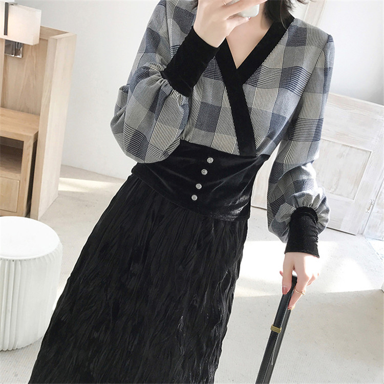 Fashion Dress Outfit Women's Autumn & Winter Korean Style Short V-neck Plaid Tops Gold Velvet Black And White With Pattern Skirt