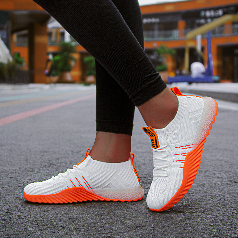 Outdoor Sports Light Weight Running Shoes Women Sneakers Men Breathable Rubber High Quality Couple Sport Shoes Zapatos De Mujer
