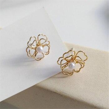 Fashion Beautiful Flower Earrings Contracted Geometric Hollow-out The Pearl Earrings For Women Jewelry Korea Golden Earrings