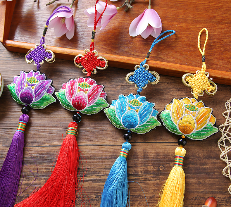 The Dragon Boat Festival Sachet Chinese Style Lotus Embroidery Mosquito Repellent Sachet Sachet Portable Car Pendant Gift Gift