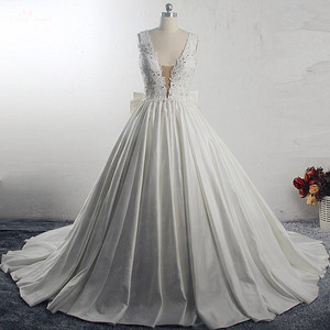 Image 5 - RSW1533 Princess Ball Gown Wedding Dresses 2019 Big Bow Back V Neck Applique Chapel Train Satin Vintage Bridal Gown