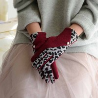 Женские кашемировые перчатки с леопардовыми вставками 1