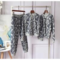 New Retro printed Plush women's autumn / winter round neck Pullover long sleeve loose set
