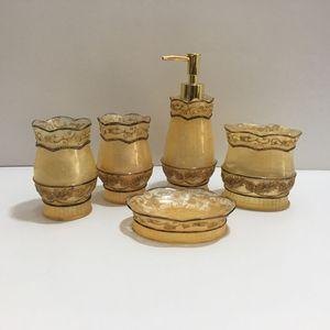 Image 3 - Модный высококачественный полимерный набор сантехники для ванной комнаты, Красивая посуда для мыла