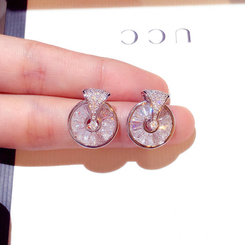 Fashion High Quality Rotatable Delicate Zircon Earring Shine Exquisite Transparent CZ Stud Earring for Women Jewelry Pendant