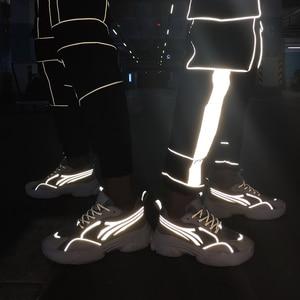 Image 4 - 2020 رائجة البيع حذاء كاجوال نساء موضة أحذية رياضية الذكور تنفس الرياضة أحذية النساء الربيع الرجال شبكة أحذية Zapatos De Mujer