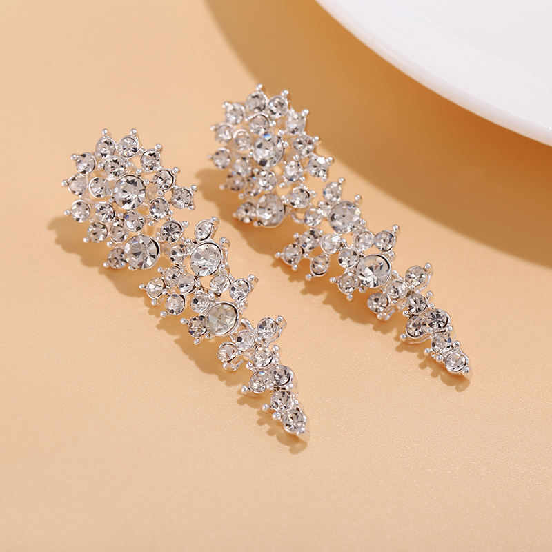 New Arrival Luxury Crystal Long Bridal Clip On Earrings Without Piercing For Women Wedding Party Engagement No Hole Ear Clips