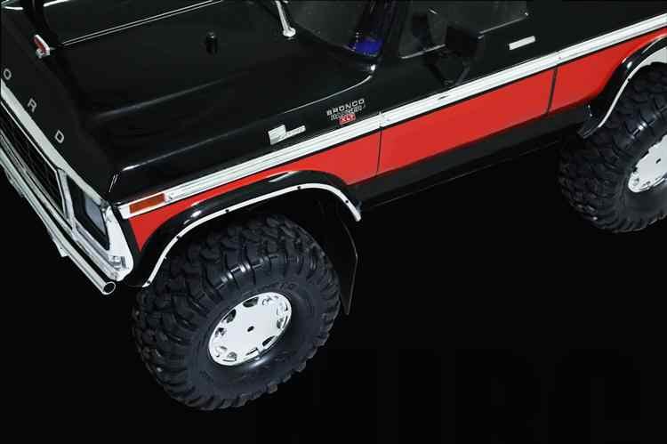 フォードブロンコ用 1 セット金属ホイール眉毛装飾ストリップ DJ トラクサス TRX4 TRX 4 ホイールアーチスクラッチプルーフガード RC 車の部品