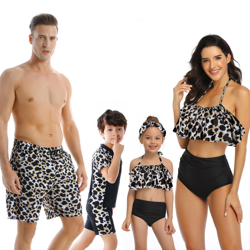 Haf1cde575a61453ea4ba7027800ee8d0K - Summer Family Matching Outfits Swimwear Mother Daughter Kids Swimsuit Bikini Bathing Suit Father Son Shorts Swimwear Clothes