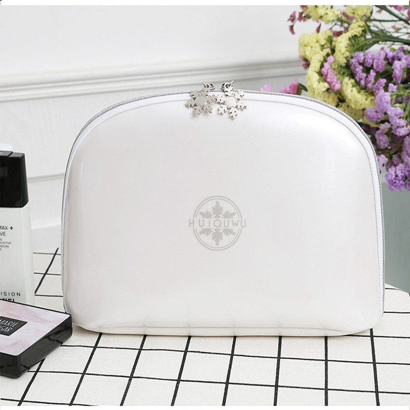 Multi Functional Black And White Make-up Bag To Store The Middle Bag